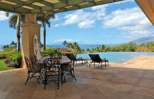 Oceanfront homes in Maui